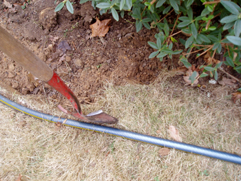 shovel and garden curve tool